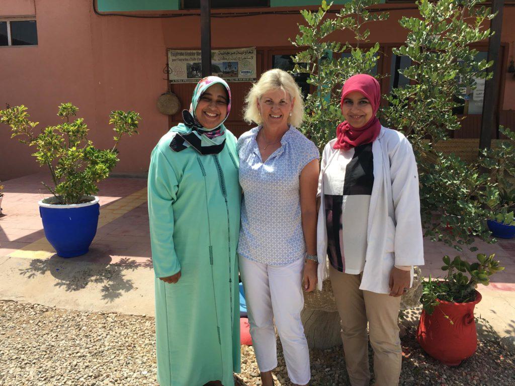 Berbere che producono l'olio di argan